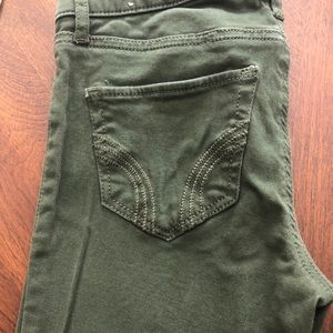 Like NEW - Hollister SuperSkinny Olive Green Jeans